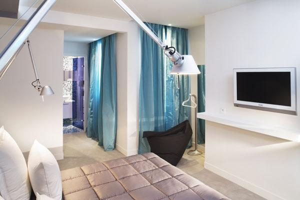 Photo gallery color design hotel paris for Hotel color design paris